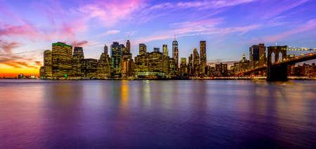 ブルックリン(B&W)から見たマンハッタン 写真素材