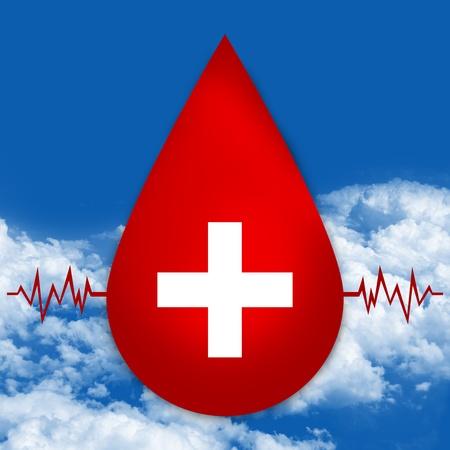 vasos sanguineos: Gota de sangre roja con la muestra m�dica y gr�fico del latido del coraz�n por concepto de donaci�n de sangre en el cielo de fondo azul