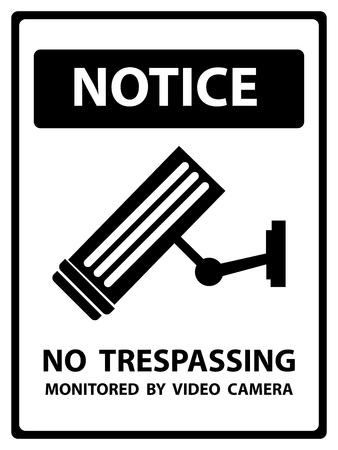 prohibido el paso: Aviso Plate Por Seguridad Presente Por aviso y ninguna violaci�n monitoreada por la c�mara de v�deo Texto Con CCTV signo aislado en el fondo blanco Foto de archivo