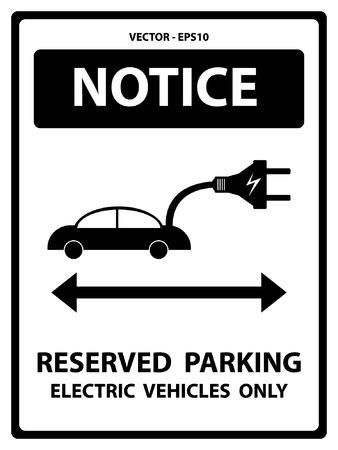 In bianco e nero Avviso Piastra Per Presente Sicurezza Per Notice e riservato parcheggio solo veicoli elettrici Testo Con auto elettrica segno isolato su sfondo bianco Archivio Fotografico - 34756904