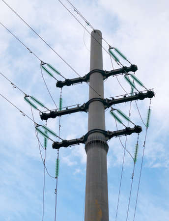 transfers: Connection of a cable and support of a high-voltage line of transfers