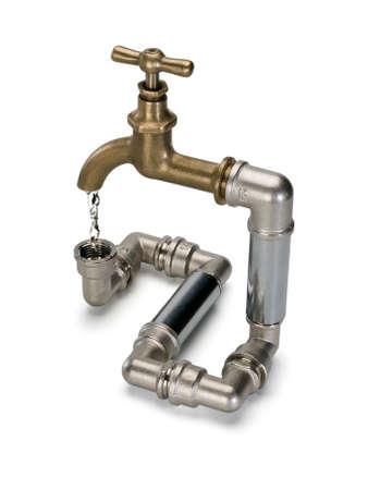 vómito: Secuencia del agua en el sistema cerrado de agua con el grifo de latón se encuentra aislado en blanco Foto de archivo