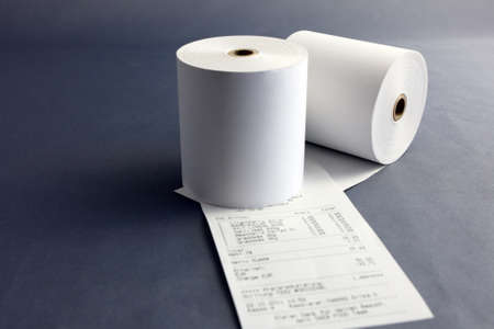 caja registradora: Rollos de papel para caja registradora Foto de archivo