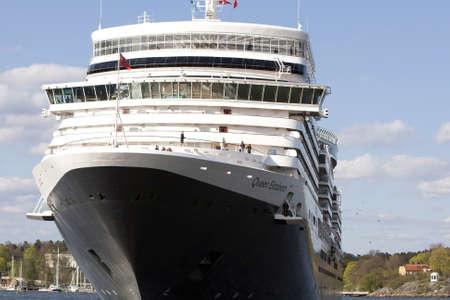 Stockholm, Schweden - 11. Mai 2013: Der gro? Kreuzfahrtschiff Queen Elizabeth im Hafen von Stockholm auf der Route Skandinavien und Russland