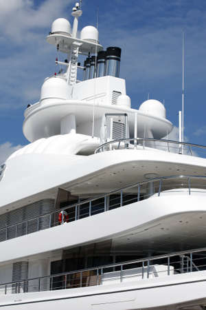 Stockholm, Schweden - 15. Mai 2013: Luxus Motor Yacht Редакционное