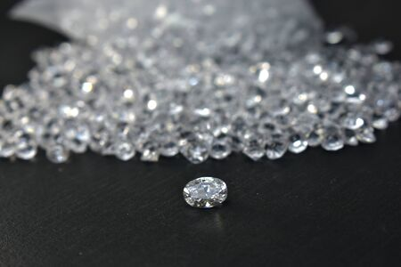 A beautiful diamond that is beautiful, shiny, clear, clean, made into a luxurious