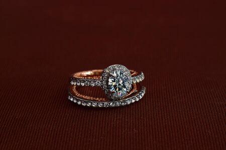 Diamantring, luxuriöser Ehering, teuer