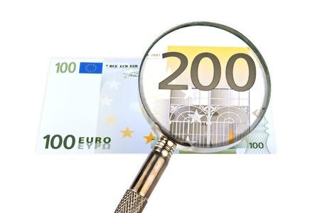 dinero falso: ? 100 billetes a través de la lupa