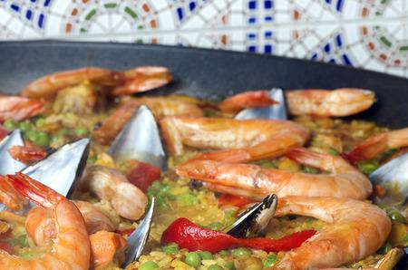 marisco: seafood spanish paella. Selective focus