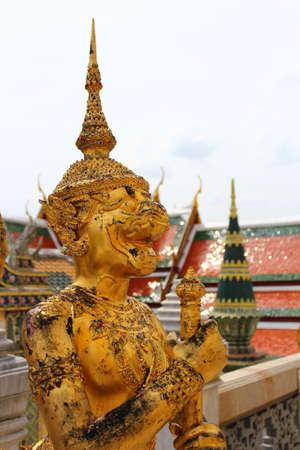 Golden Statue Stock Photo - 18309973
