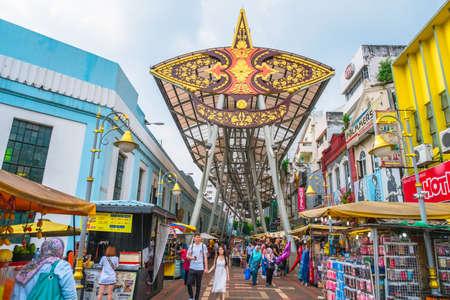 2019, 3 mars, Malaisie, Kuala Lumpur, les gens font leurs courses au marché central . Éditoriale