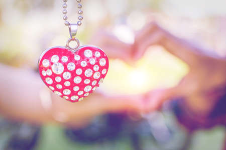 coeur diamant: Necklace diamond heart shaped light Sunset Valentines Day