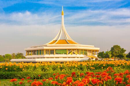 Suan-Lhuang rVII Park - Thailand photo