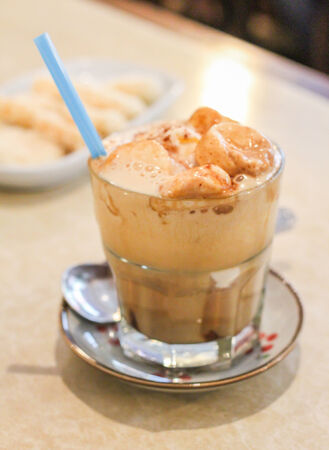 capucinno: Coffemello is made by mix coffe masmelo and one scoop of vanilla icecream