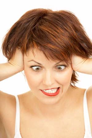 zerzaust: Die Cross-eyed Frau mit dem Haar strubbelig Fratzen auf wei�em Hintergrund