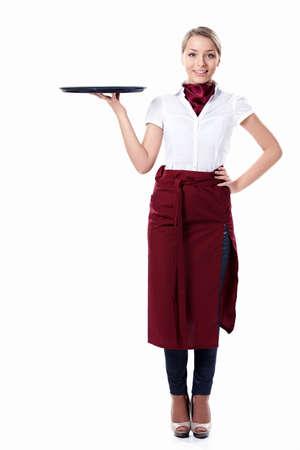 jasschort: Een jonge aantrekkelijke serveerster met een lade op een witte achtergrond