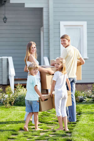 cardboard house: Families with children are moving