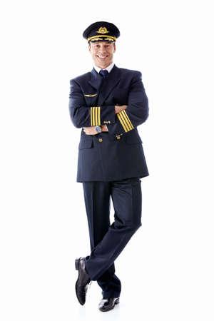 pilotos aviadores: Un hombre vestido como un piloto sobre un fondo blanco