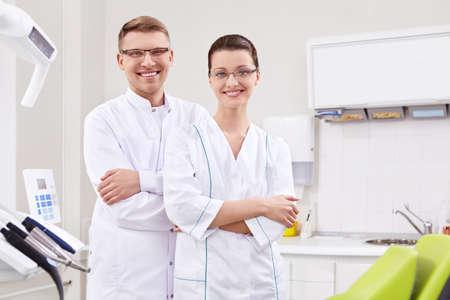 uniformes de oficina: Dentistas en la forma en la cl�nica