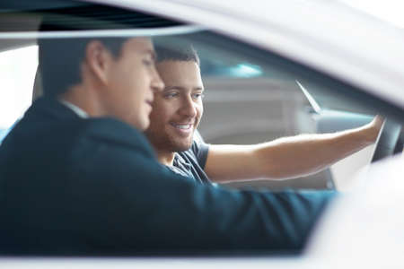 selling service: Seller to the buyer in the car