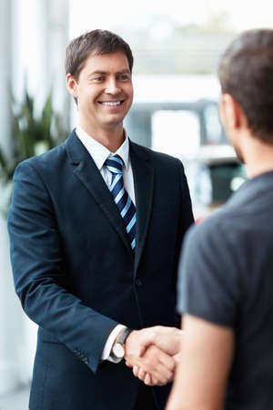 selling service: Buyer and seller shake hands