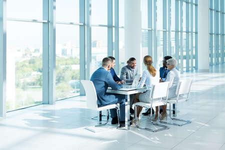 Geschäftsleute bei der Sitzung