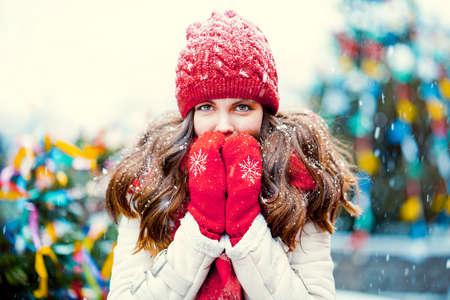 Young beautiful girl during winter Archivio Fotografico