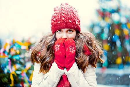 Young beautiful girl during winter Banco de Imagens