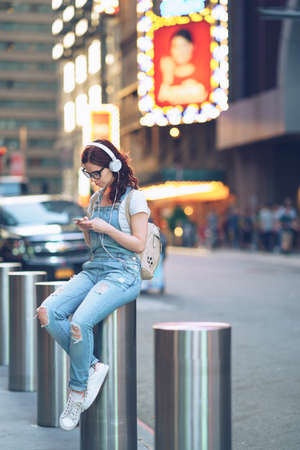 Young girl in Manhattan Reklamní fotografie
