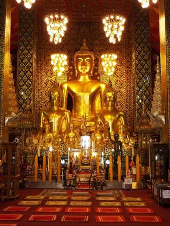 vihar: Buddha image at Wat Phra That Hariphunchai