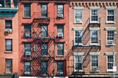 New York Backsteinbauten mit Außenfeuertreppen, USA
