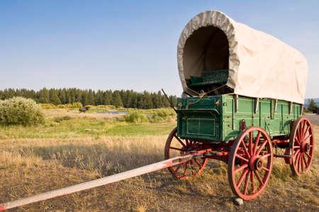 carreta madera: Vintage vagón oeste americano Foto de archivo