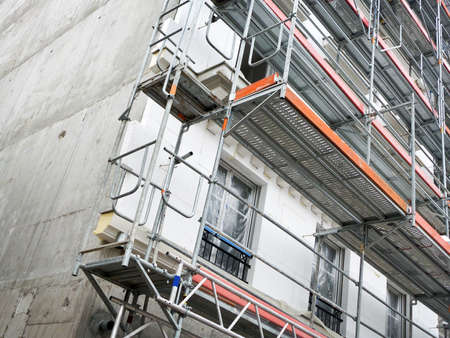 building external: Construction of a building with external insulation