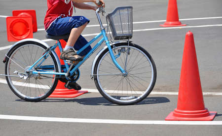 dexterity: Bicycle skills leaning on a circuit