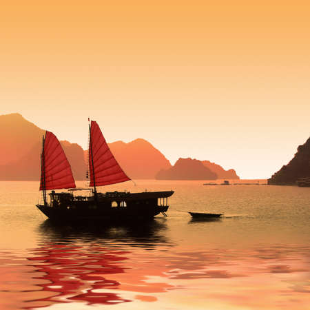 bay: Junk boat, Halong Bay, Vietnam Stock Photo
