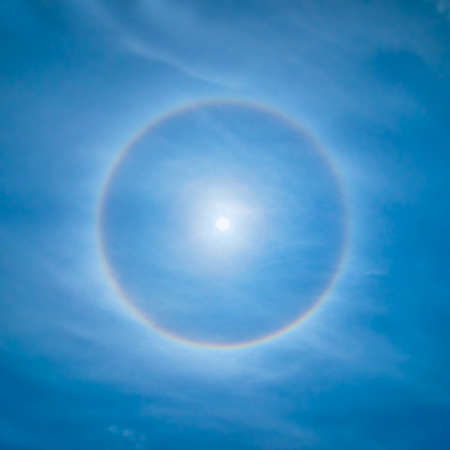 halo: Sun rainbow circular halo phenomeno