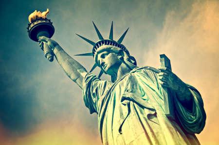 リバティー、ニューヨーク市、ビンテージ プロセスの彫像のクローズ アップ