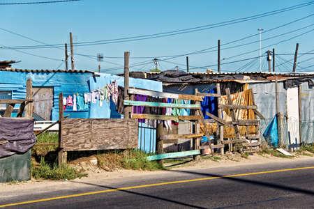 pobre: Township, cerca de Ciudad del Cabo, Sudáfrica