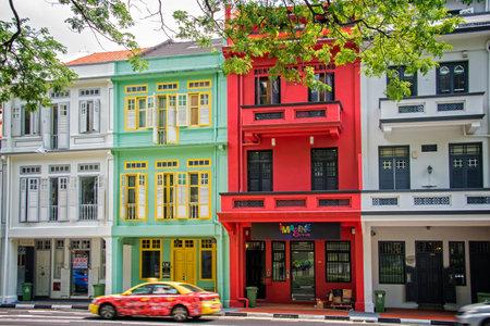 カラフルなシンガポールの伝統的な家 報道画像