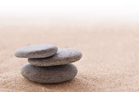 Zen stone stack and sand 版權商用圖片