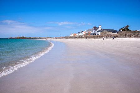 guernsey: Cobo beach landscape, Guernsey