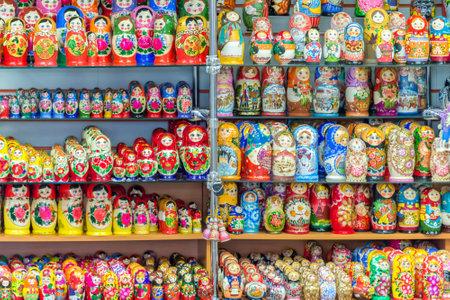muñecas rusas: Visualización de los colores muñecas rusas (matriockkas) en Rusia