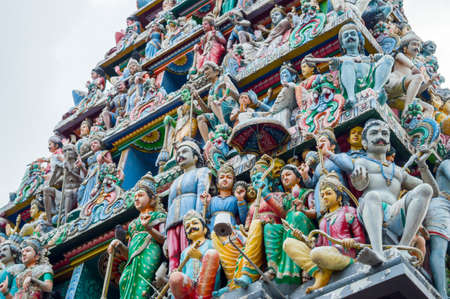 hinduist: Roof of Sri Veeramakaliamman Temple in Little India, one of the oldest temple of Singapore
