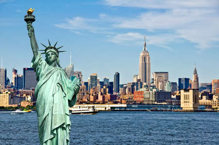 New York skyline and the Statue of Liberty, New York City collage, travel and tourism postcard concept, USA Reklamní fotografie - 80673822