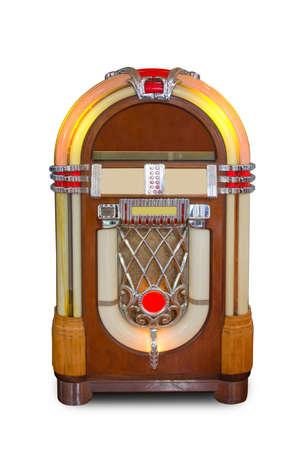 Echte uitstekende jukebox retro muziekspeler die op witte achtergrond wordt geïsoleerd