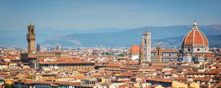 大聖堂サンタ・マリア ・ デル ・ フィオーレ大聖堂 (ドゥオーモ)、トスカーナ、イタリア フィレンツェのパノラマ ビュー