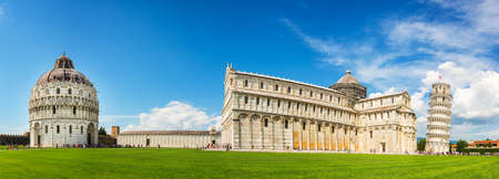Panorama of the leaning tower of Pisa with the cathedral (Duomo) and the baptistry in Pisa, Tuscany, Italy Stock Photo