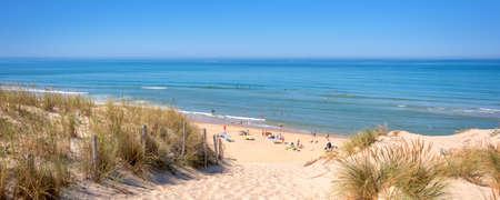 Panorama de la duna y la playa de Lacanau, océano atlántico, Francia