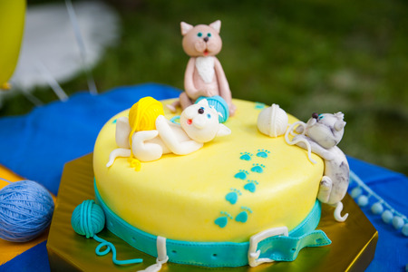 blue balls: Birthday Cake with kittens playing with yellow and and turquoise yarn balls