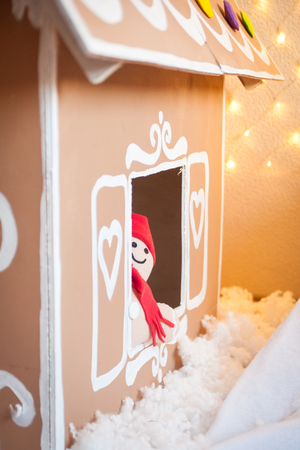 gingerbreadman: Christmas decor: gingerbread house and gingerbread man